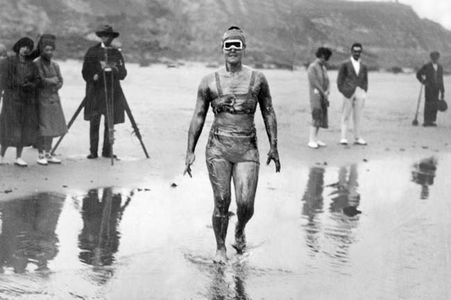 gertrude-ederle-1ere-femme-a-traverser-la-manche-nage-1926